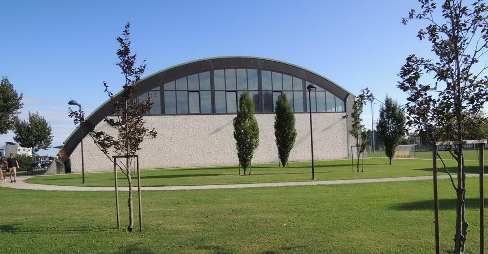 palazzetto vista dal parco polisportivalevata.it